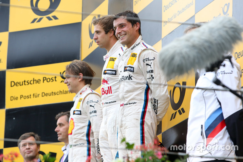 Podium: second place Augusto Farfus, BMW Team RBM and winner Antonio Felix da Costa, BMW Team Schni