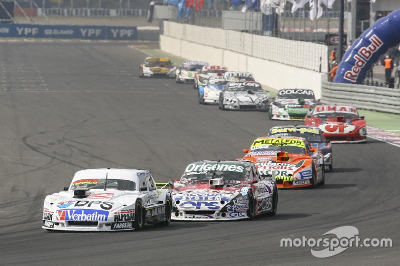 Leonel Sotro, Alifraco Sport Ford and Camilo Echevarria, Coiro Dole Racing Torino and Jonatan Castellano, Castellano Power Team Dodge
