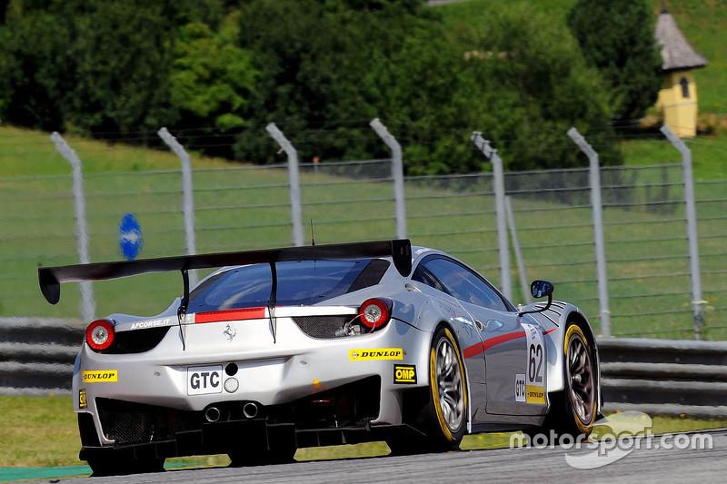 #62 AF Corse Ferrari F458 Italia GT3: Thomas Flohr, Стюарт Холл, Francesco Castellacci