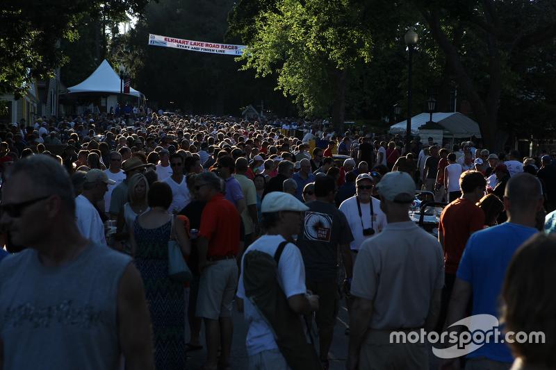 Jalanan ramai untuk Race Car Concours