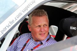 Johnny Herbert, Sky Sports F1 Presentator in zijn Porsche Supercup wagen