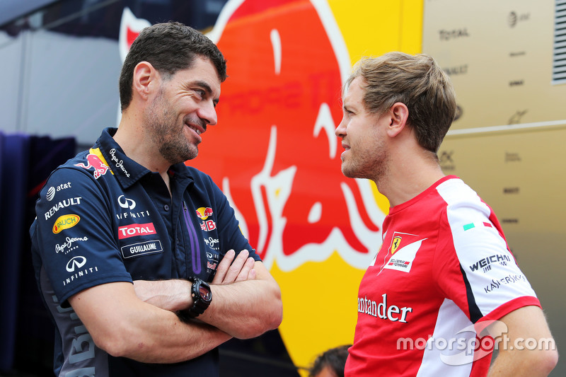 (L to R): Guillaume Rocquelin, Red Bull Racing Head of Race Engineering with Sebastian Vettel, Ferra