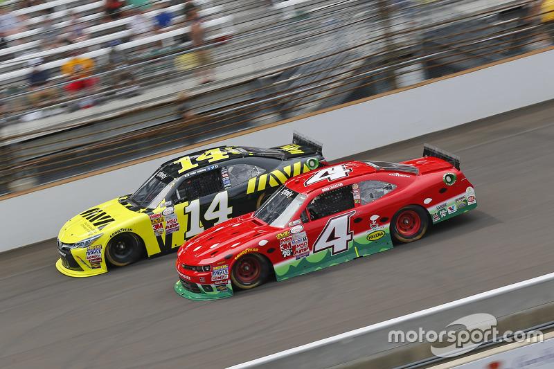Cale Conley, TriStar Motorsports Toyota dan Ross Chastain, JD Motorsports Chevrolet