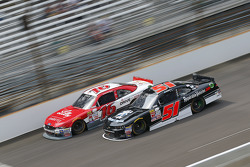Ryan Reed, Roush Fenway Racing Ford y Jeremy Clements, Jeremy Clements Racing Chevolet