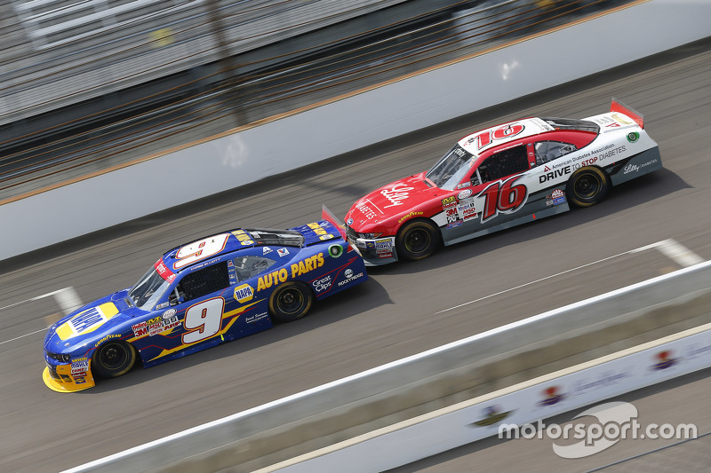 Chase Elliott, JR Motorsports Chevrolet dan Ryan Reed, Roush Fenway Racing Ford