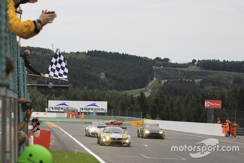 #46 Marc VDS Racing Team BMW Z4: Markus Palttala, Nicky Catsburg, Lucas Luhr merebut kemenangan