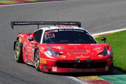 السيارة رقم 111 كيسل ريسينغ فيراري 458 إيطاليا: ستيفان إيرل، ماركو زانوتيني، ليام تالبوت، ماركو روستان