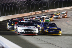 Restart: Ryan Blaney, Team Penske Ford leads