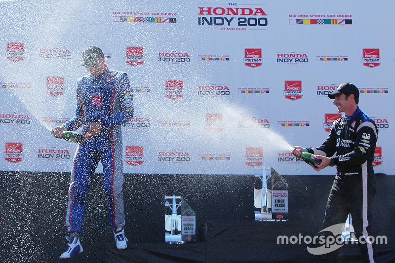 Podium: second place Justin Wilson, Andretti Autosport Honda, third place Simon Pagenaud, Team Pensk
