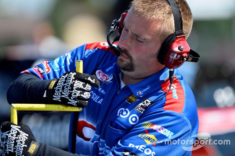 HScott Motorsports mechanic