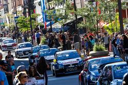 Cars in downtown Trois-Rivières