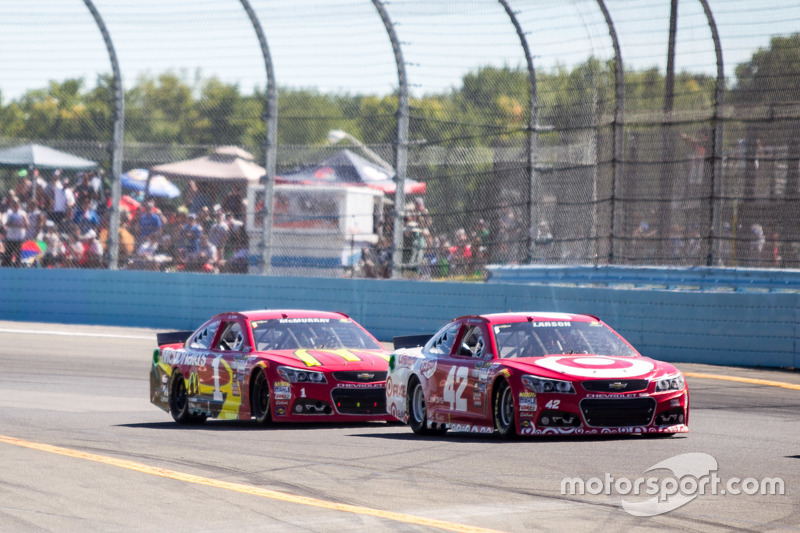 Kyle Larson and Jamie McMurray, Chip Ganassi Racing Chevrolets