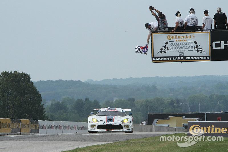 #33 Riley Motorsports SRT Viper GT3-R: Ben Keating, Jeroen Bleekemolen meraih kemenangan dalam kategori GTD