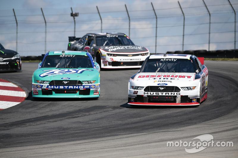Alex Tagliani, Team Penske Ford dan Chris Buescher, Roush Fenway Racing Ford