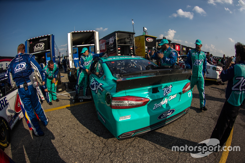 Mobil Ricky Stenhouse Jr., Roush Fenway Racing Ford is loaded into hauler