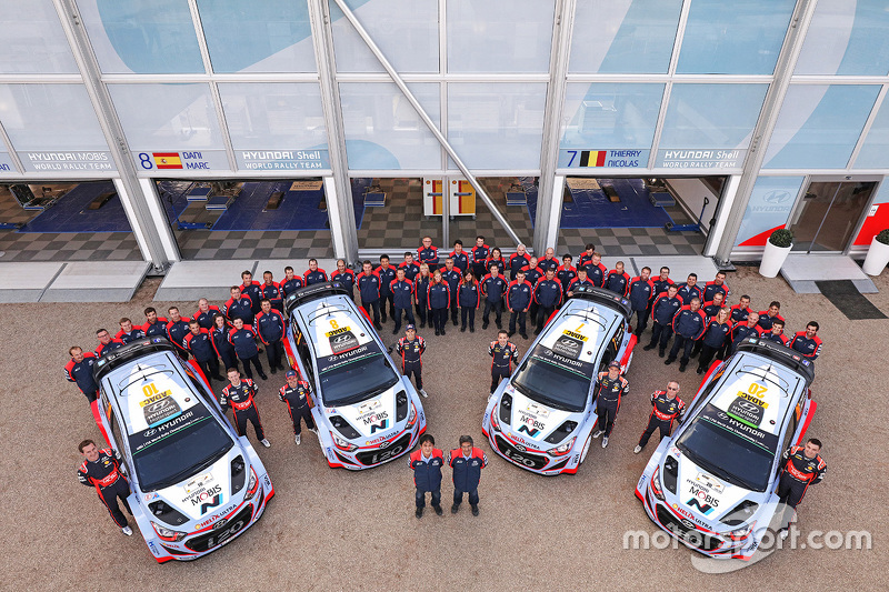 Hyundai Motorsport World Rally Team group photo