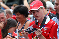 Seorang fans Manor F1 Team
