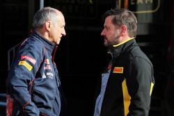 Франц Тост, руководитель команды Scuderia Toro Rosso и Пол Хэмбри, спортивный директор Pirelli