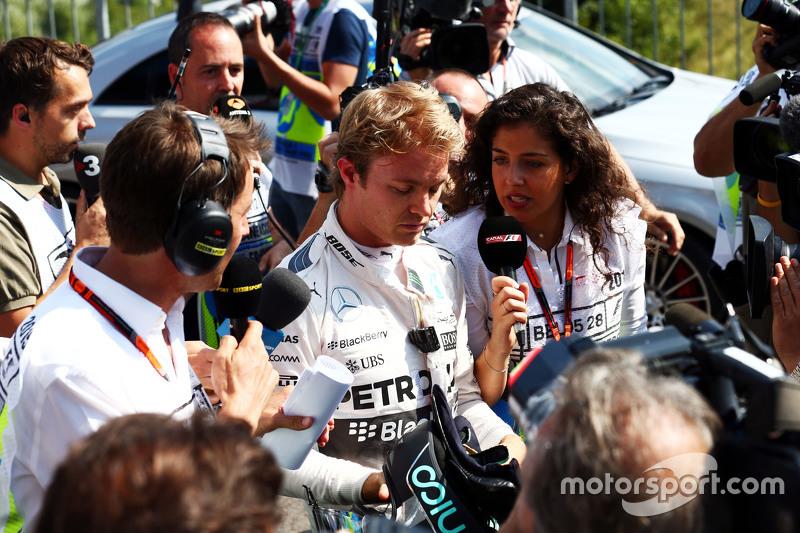 Ніко Росберг, Mercedes AMG F1 з медіа в другій практиці