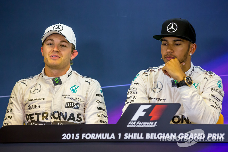 (L to R): Nico Rosberg, Mercedes AMG F1 with team mate Lewis Hamilton, Mercedes AMG F1 in the FIA Pr