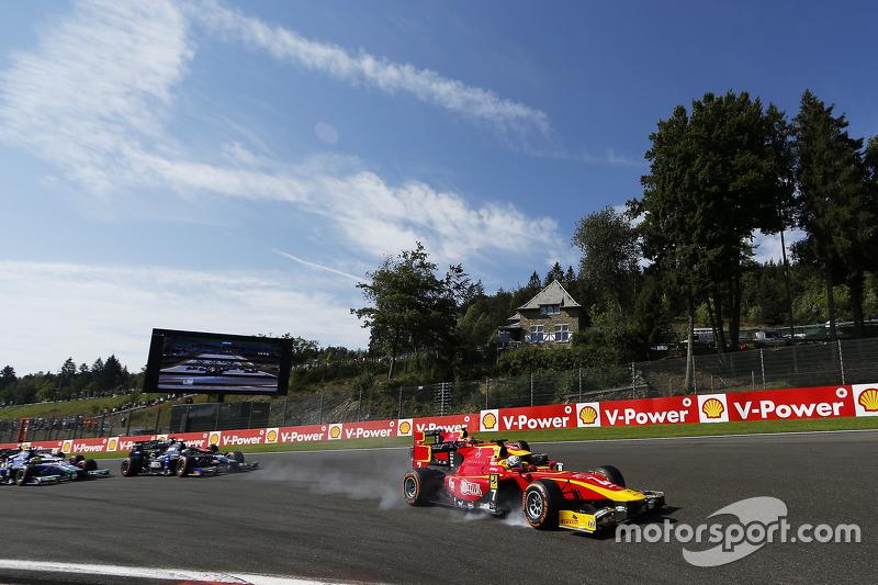 Start: Jordan King, Racing Engineering memimpin