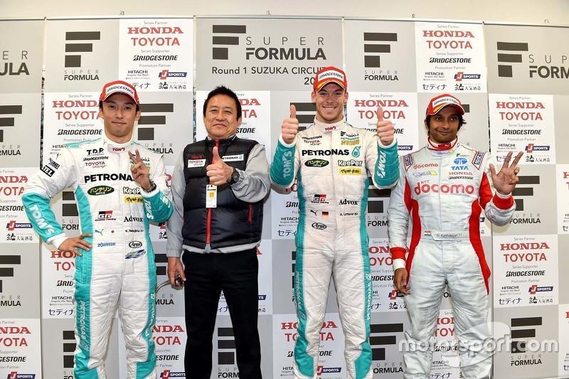 Podium: second place Kazuki Nakajima and winner Andre Lotterer, Team TOM'S and third place Narain Ka