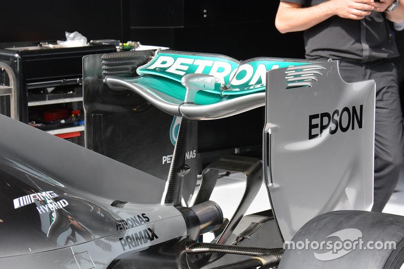 Mercedes: Heckflügel