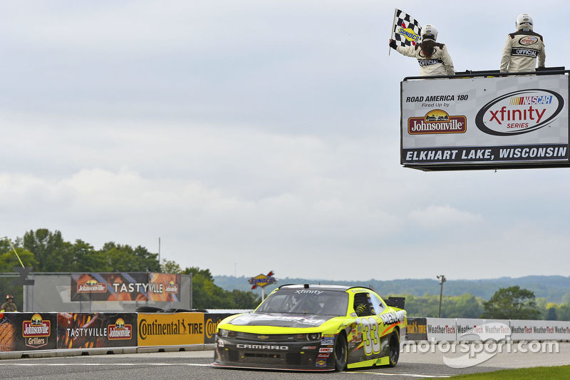 Paul Menard, Richard Childress Racing Chevrolet takes the win