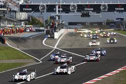 起步:保时捷919Hybrid #18号赛车 Romain Dumas, Neel Jani, Marc Lieb leads领先