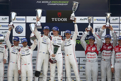 Podium: 1. Timo Bernhard, Mark Webber, Brendon Hartley, Porsche Team; 2. Romain Dumas, Neel Jani, Ma