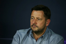 Пол Хэмбри, автоспортивный директор Pirelli