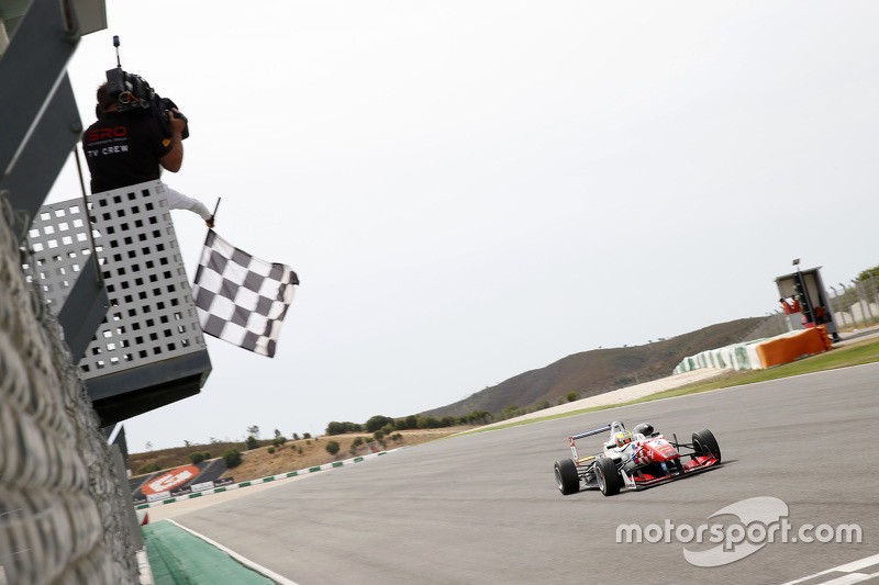 Race 1 Winner Jake Dennis, Prema Powerteam Dallara Mercedes-Benz