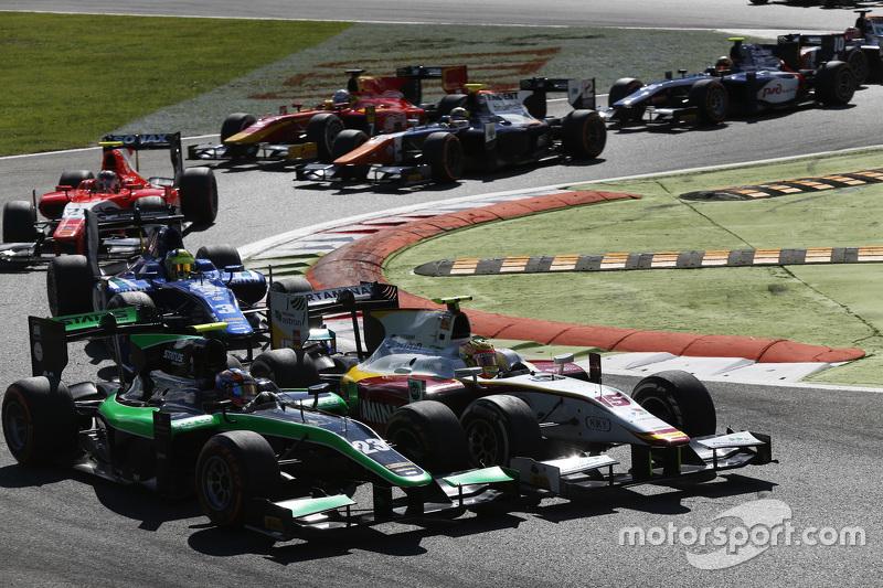Rio Haryanto, Campos Racing leads Richie Stanaway, Status Grand Prix