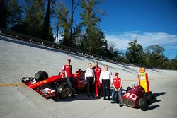 Машины Ferrari SF15-T и Ferrari 166 F1 на старом кольце в Монце с Себастьяном Феттелем, Ferrari, Джо