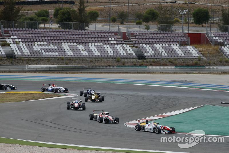 Jake Dennis, Lance Stroll und Nick Cassidy, Prema Powerteam Dallara Mercedes-Benz