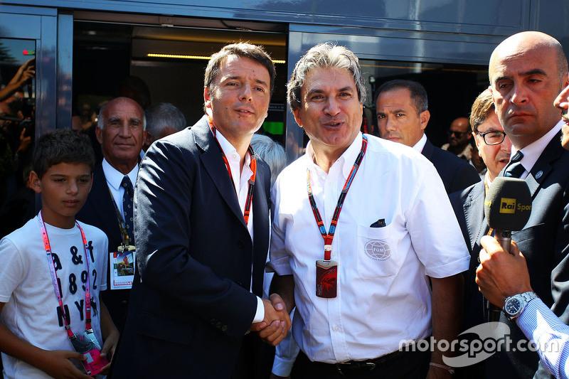 Matteo Renzi, İtalya Başbakanı ile Pasquale Lattuneddu FOM yetkilisi
