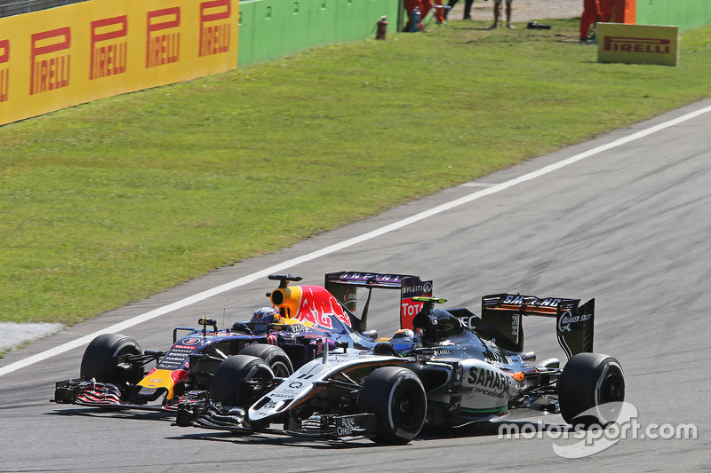 Daniel Ricciardo, Red Bull Racing RB11, und Sergio Perez, Sahara Force India F1 VJM08