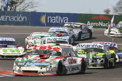 Карлос Окуловіч, Sprint Racing Torino та Мауро Галломбардо, Maquin Parts Racing Ford та Лаурено Кампанера, Donto Racing Chevrolet