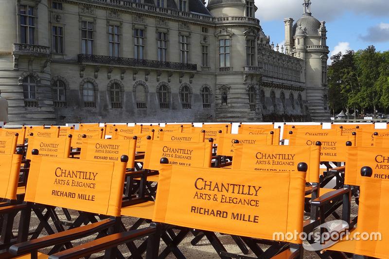 Chantilly Arts та Elegance