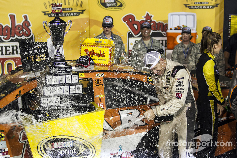 Race winner Carl Edwards, Joe Gibbs Racing Toyota