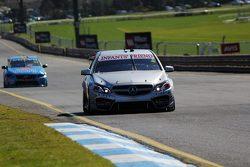 Ash Walsh ve Jack LeBrocq, Erebus Motorsport Mercedes