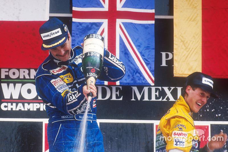 Podium: pemenang Nigel Mansell, posisi ketiga Michael Schumacher