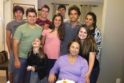 Felipe Nasr, büyükannesi ve kuzenleri