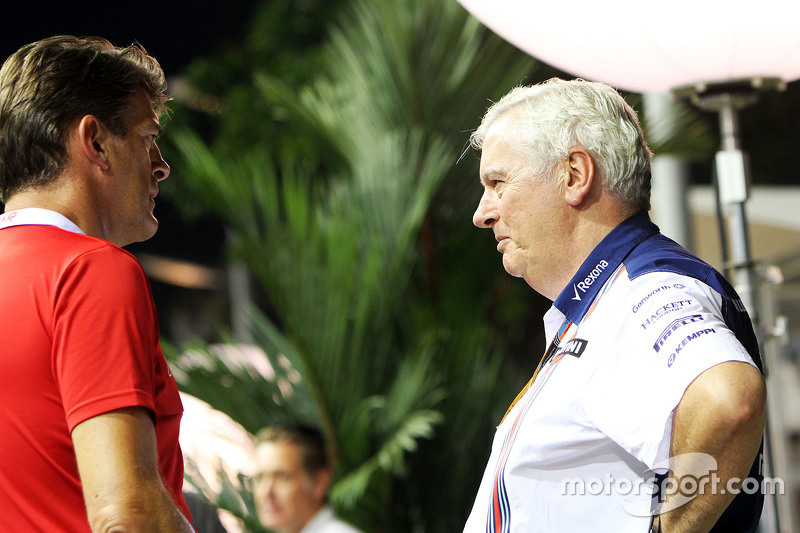 Graeme Lowdon, Manor Marussia F1 Team, Geschäftsführer, mit Pat Symonds, Williams-Cheftechniker