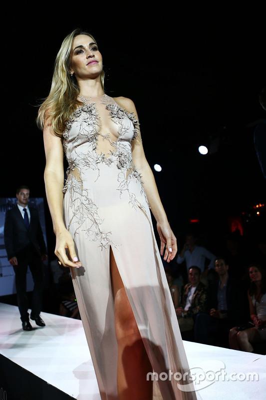 Carmen Jorda, Lotus F1 Team Piloto de Desarrollo en el Amber Lounge Fashion