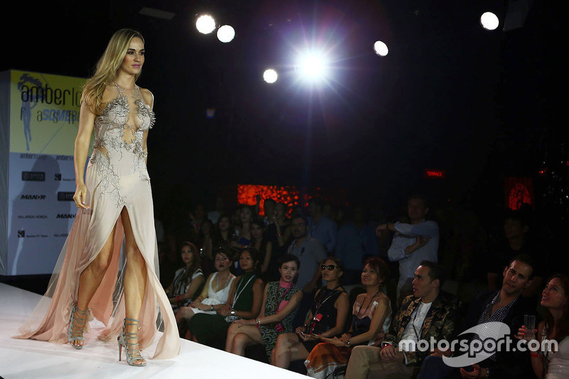 Carmen Jorda, Pilota collaudatore Lotus F1 Team all'Amber Lounge Fashion Show