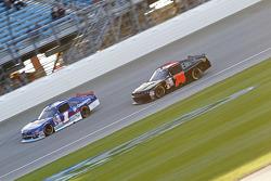 Elliott Sadler, Roush Fenway Racing Ford ve Mike Harmon