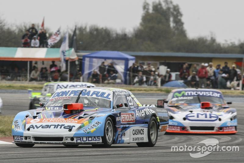 Мартін Понте, Nero53 Racing Dodge та Крістіан Ледесма, Jet Racing Chevrolet та Еміліано Спатару, UR Racing Dodge