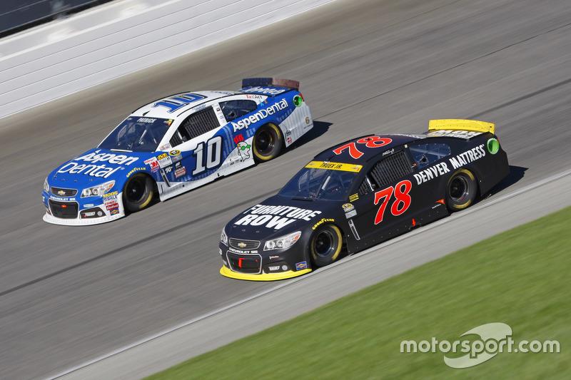 Мартін Труекс мол., Furniture Row Racing Chevrolet та Даніка Патрік, Stewart-Haas Racing Chevrolet