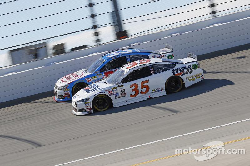 Cole Whitt, Front Row Motorsports Ford; Brian Scott, Richard Childress Racing Chevrolet